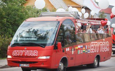 """""""Jonavos autobusai"""" dalyvavo miesto šventėje"""