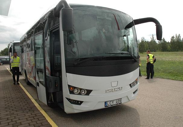 Autobusų gamintojai suteikia galimybę vežėjams susipažinti su naujais autobusais