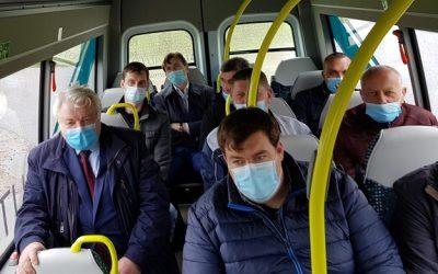 """Keleivių vežėjai turėjo progos susipažinti su """"Altas Auto"""" elektriniais autobusais"""
